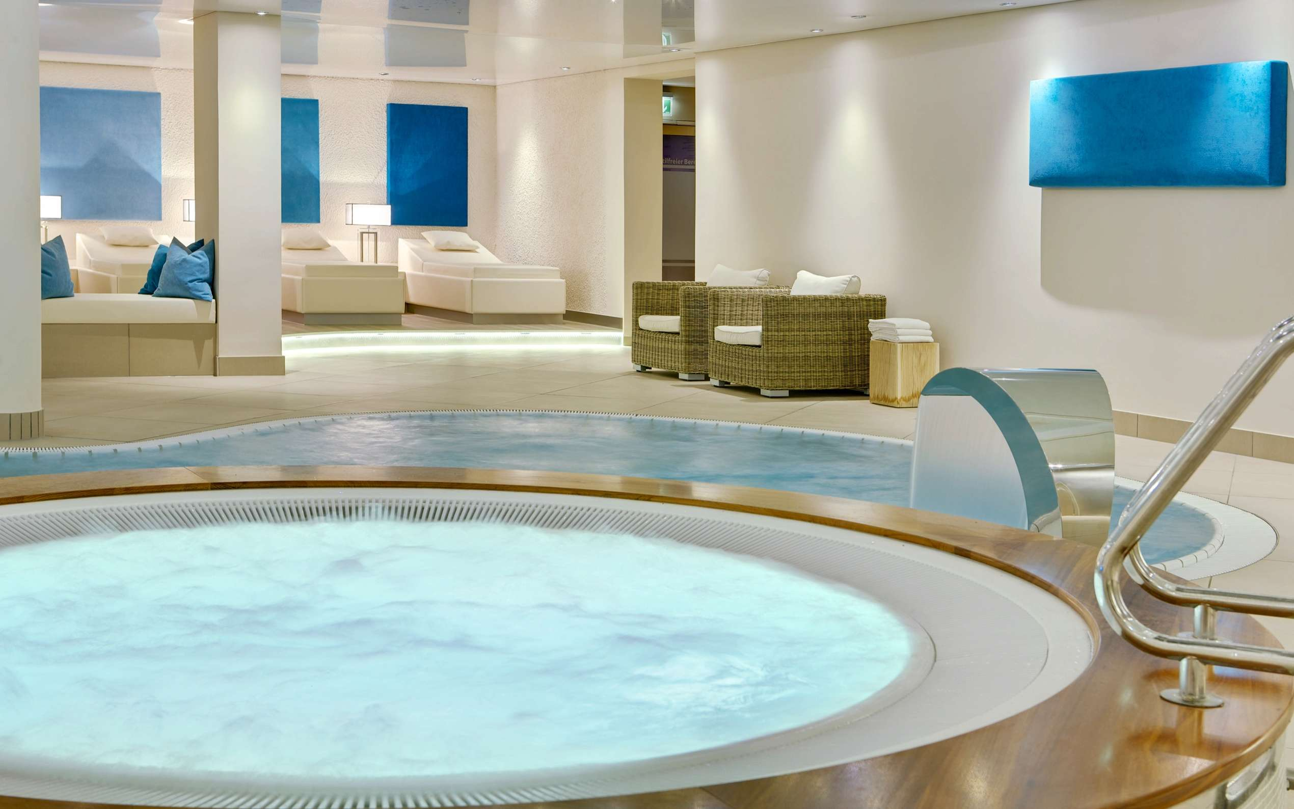 Welcome Hotel Bad Arolsen Spa Pool 02